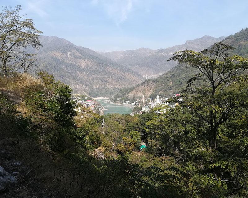 rishikesh river ganges mountain view