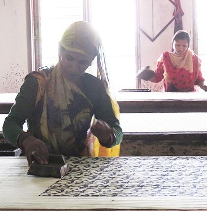 artisan women printing fabric